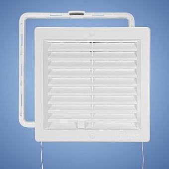VM 150×150 UB Větrací mřížka s rámečkem a žaluzií (bílá)